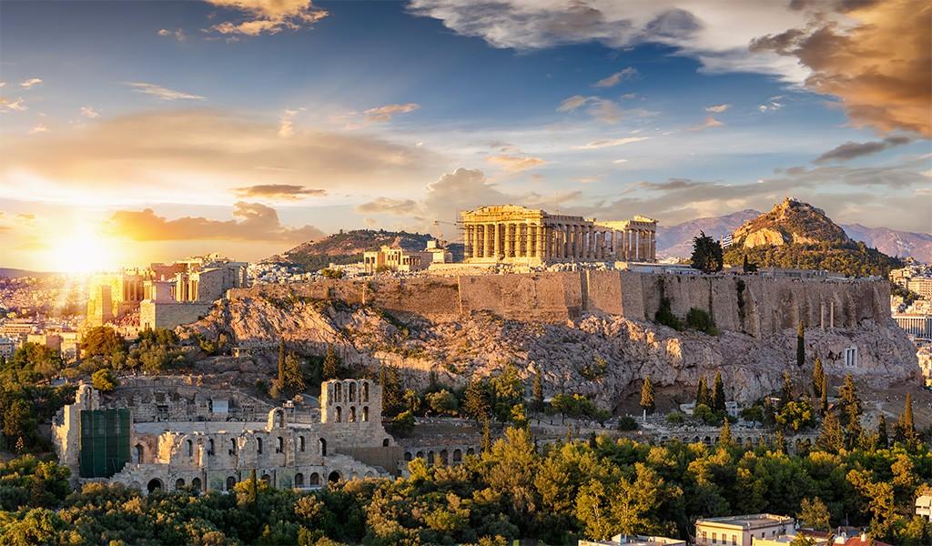 Atina Akropolisine Karşı Kokteyl Keyfi