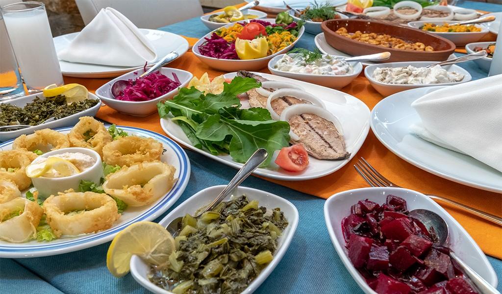 Bağırganlı'da Huzurlu ve Lezzetli Bir Balık Restoranı: Kaptan Köşkü