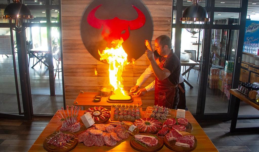 Başol Steak House Lezzeti ve Kalitesi Geçmişinden Geliyor