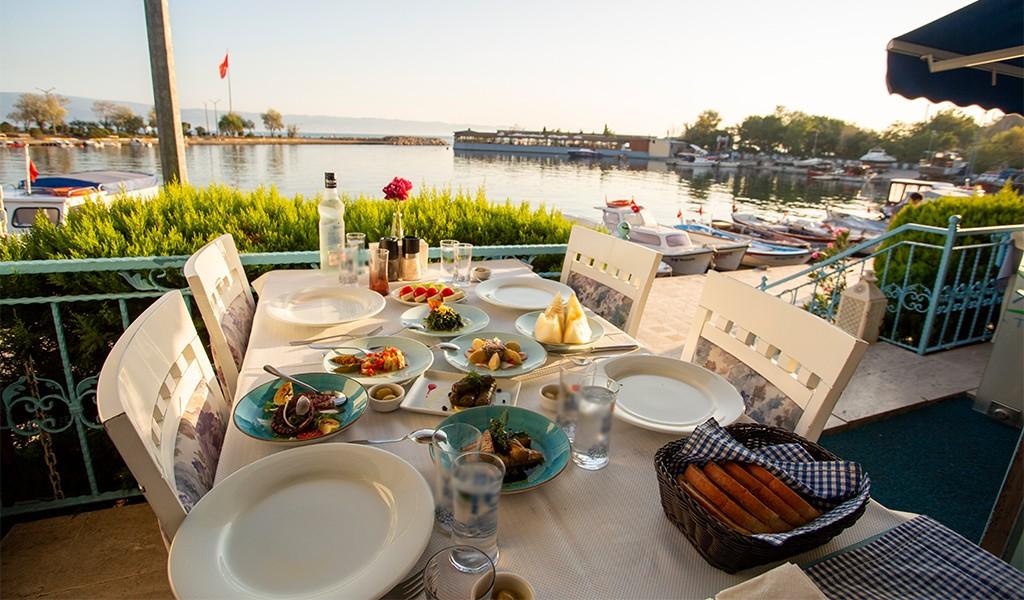 Bir Alaçatı Esintisi: Hereke Balık Restoran