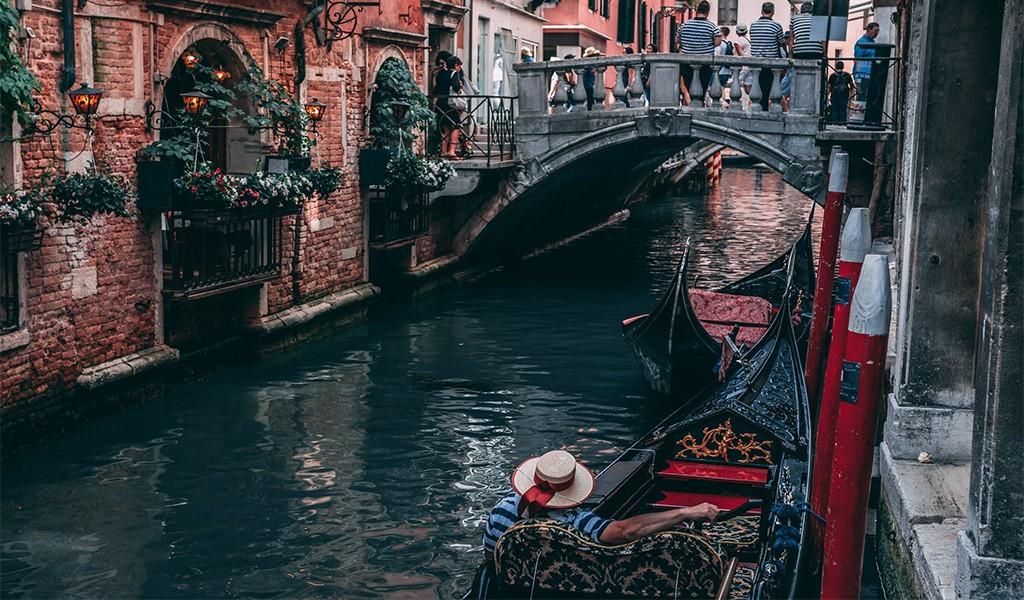 Gerçek Olamayacak Kadar Güzel Bir Şehir; VENEDİK
