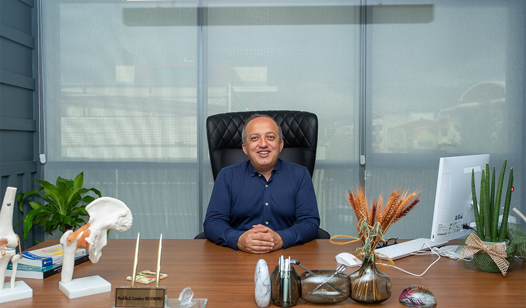 Ortopedi ve Travmatoloji'nin Usta Hekimi: Prof. Dr. Cumhur Cevdet Kesemenli